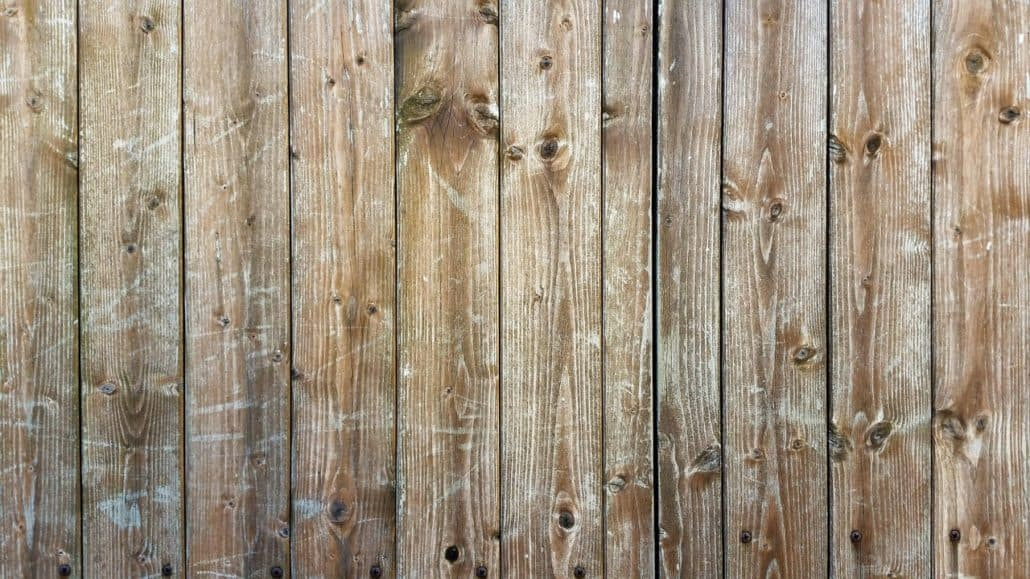 staining wood fencing