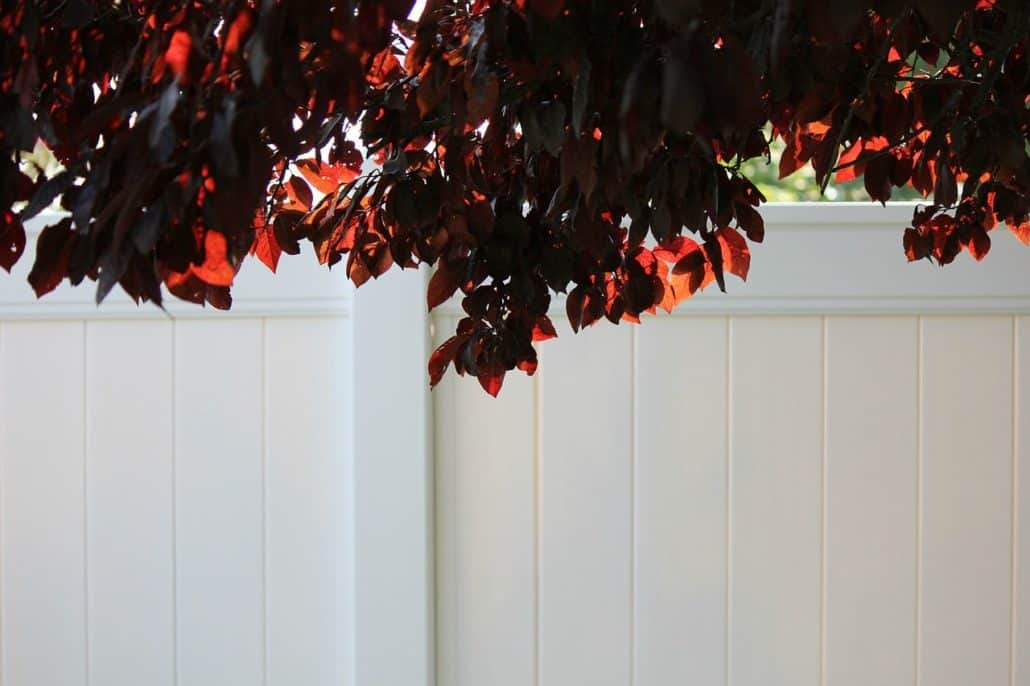 6 Ft White Vinyl Fence